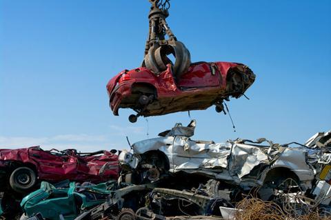 Кабмин утвердил новые ставки утильсбора на автомобили