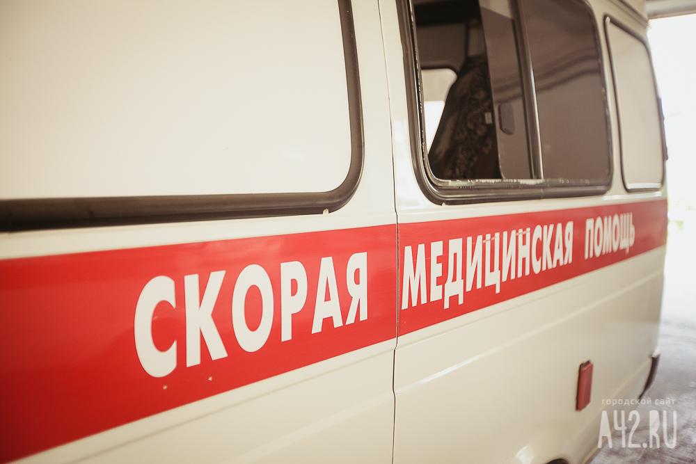 ВБелове Мазда врезалась вопору ЛЭП, шофёр скончался в клинике