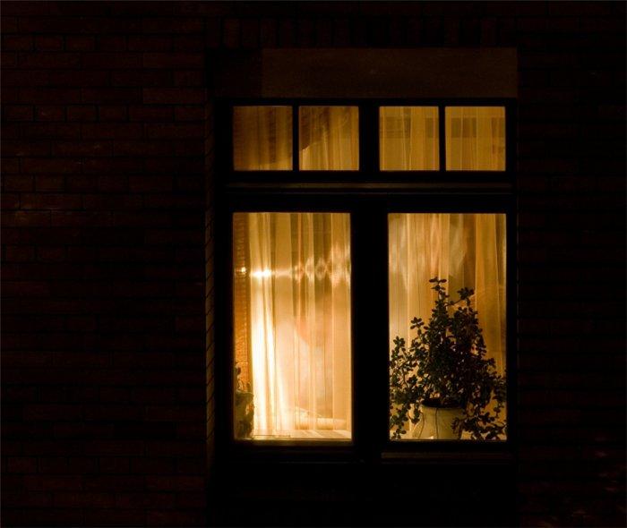 истока картинка свет в одном окне что